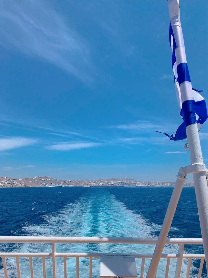 blue star ferries 船尾 国旗 旗 ギリシャ