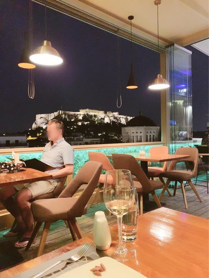 アテネ ラ ストラーダ ホテル 最上階 レストラン