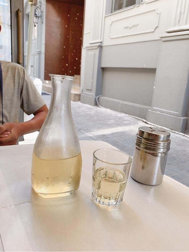 アテネ ワインが安いお店 ランチ 食事