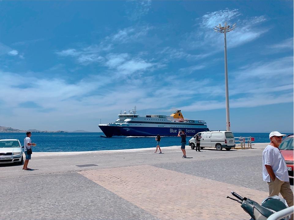 ブルースターフェリーズ Blue Star Ferries
