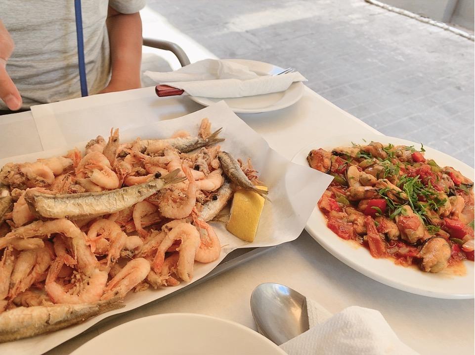 アテネ ワイン 食事 ランチ お昼ご飯