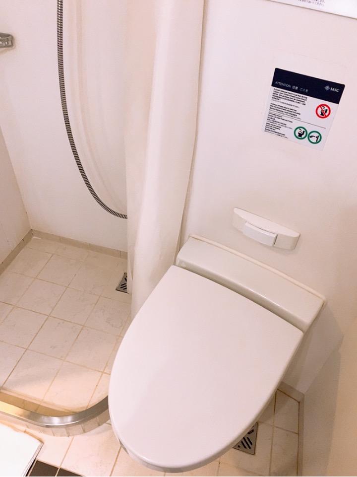 MSC MSCsplendida 船内 窓部屋 4人部屋 二段ベッド インサイド 内側 窓なし バスルーム トイレ