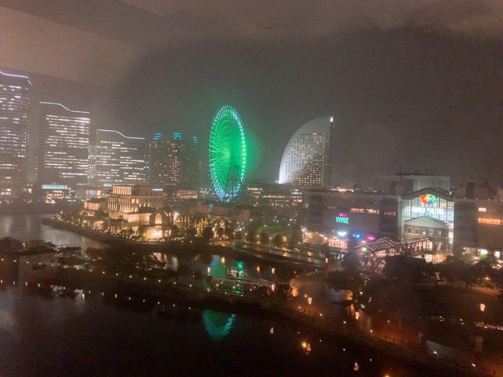 アパホテル 横浜 部屋からの景色 港側