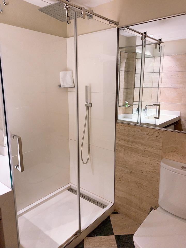 スペイン バルセロナ 空港 周辺 バスルーム シャワー BAH バスセロナエアポートホテル