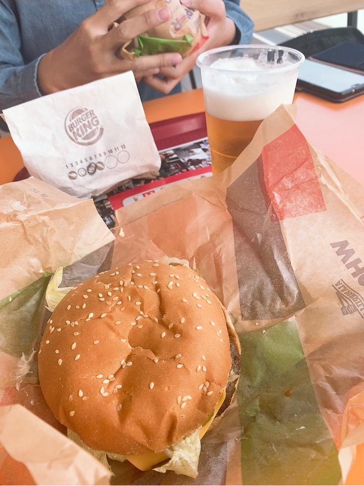 TAP ポルトガル航空 スペイン ビルバオ レストラン カフェ ハンバーガー