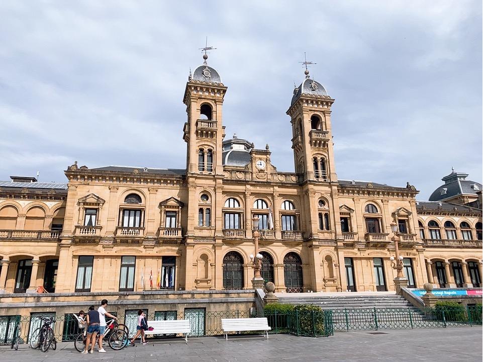 サンセバスティアン 観光 旧市街 村役場 san sebastian city hall