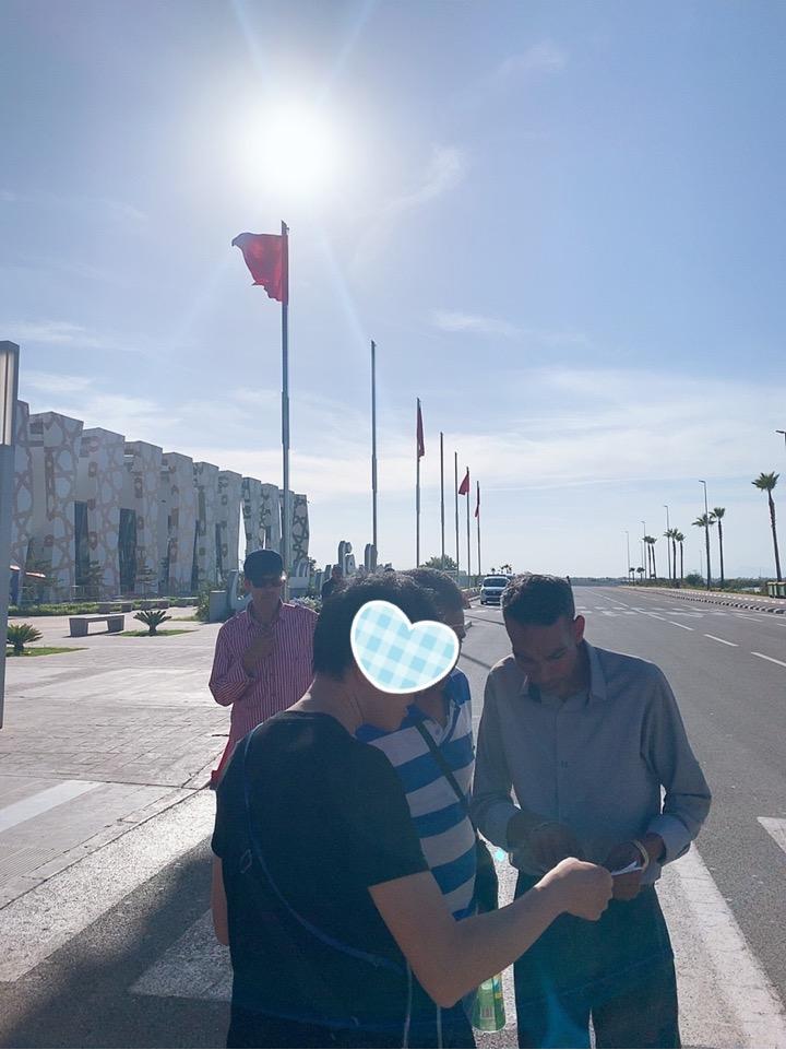 モロッコ フェズ 空港 旧市街 タクシー 交渉
