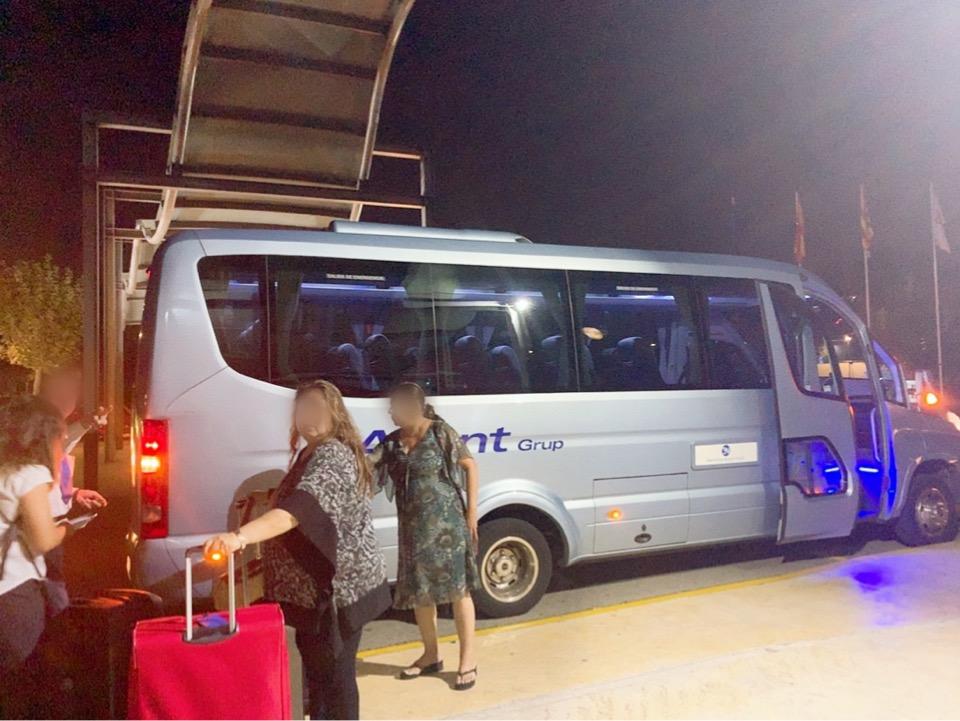 スペイン バルセロナ 空港 周辺 ホテル シャトルバス