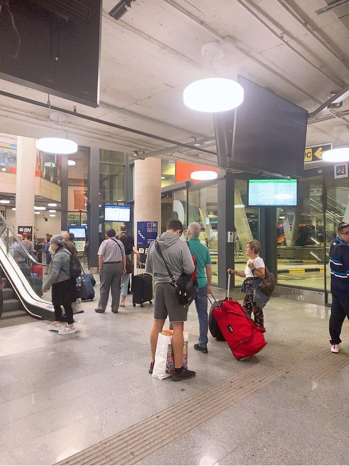 サンセバスティアン ビルバオ空港 行き方 バス バス乗り場 donostia
