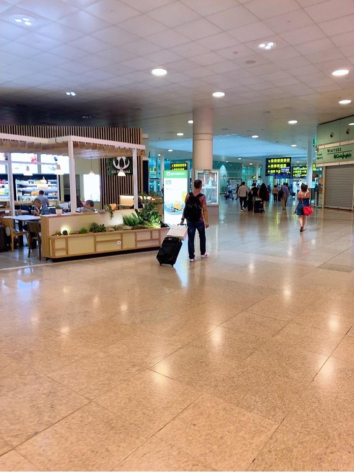 スペイン バルセロナ 空港 周辺 ホテル