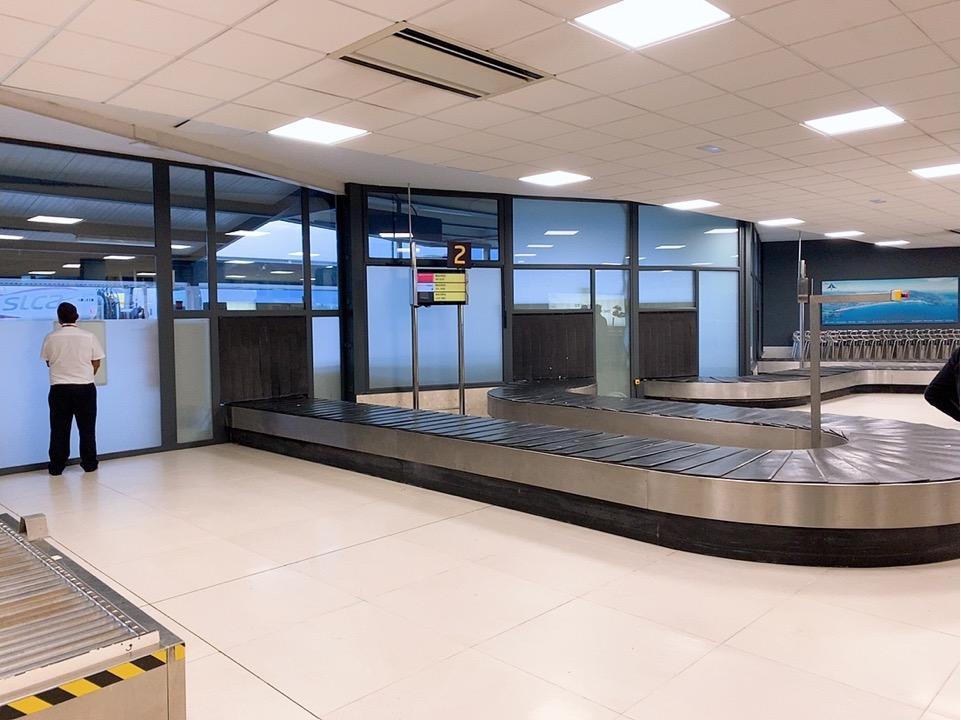 スペイン サンセバスティアン空港 ブエリング航空 Vueling Airlines 機内 座席
