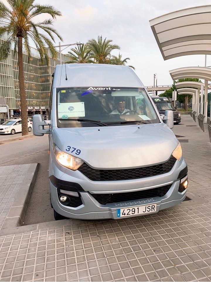 スペイン バルセロナ 空港 周辺 バス停 ホテルバス