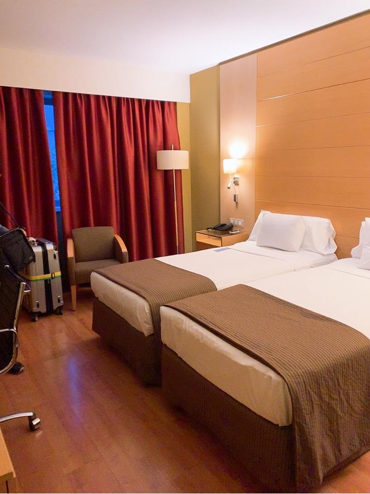 スペイン バルセロナ 空港 周辺 部屋 BAH バスセロナエアポートホテル