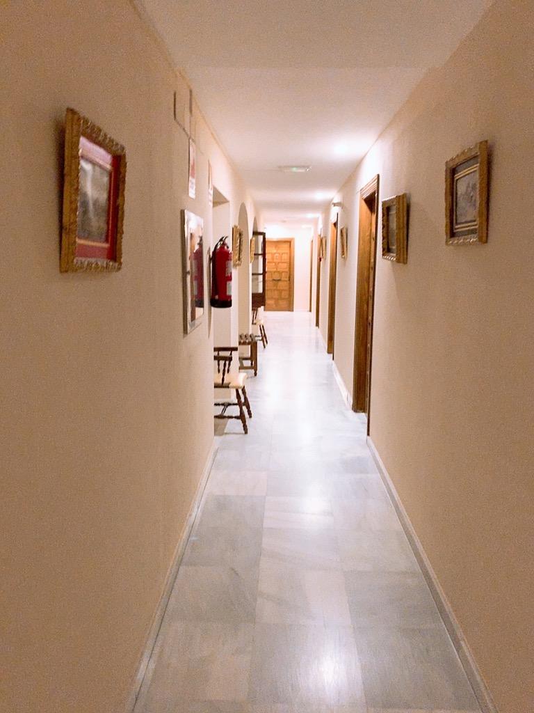 コルドバ ホテル メスキータ HOTEL MEZQUITA 廊下