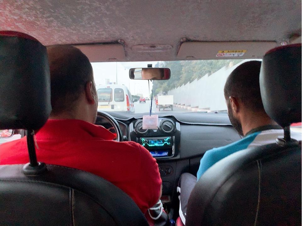 モロッコ フェズ タクシー 乗り合いタクシー