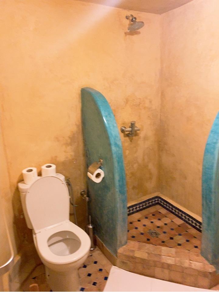 モロッコ フェズ リヤド 宿泊 バスルーム シャワー