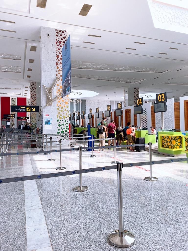 モロッコ フェズ 空港 チェックインカウンター
