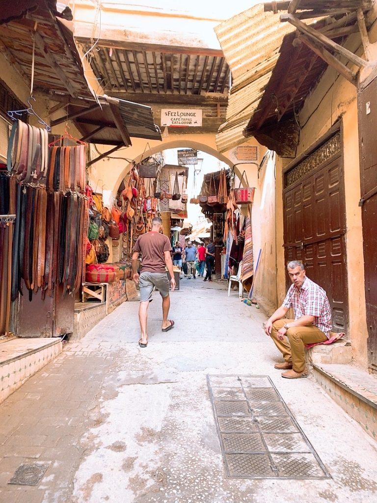 モロッコ フェズ 旧市街 町案内 チップ 代金