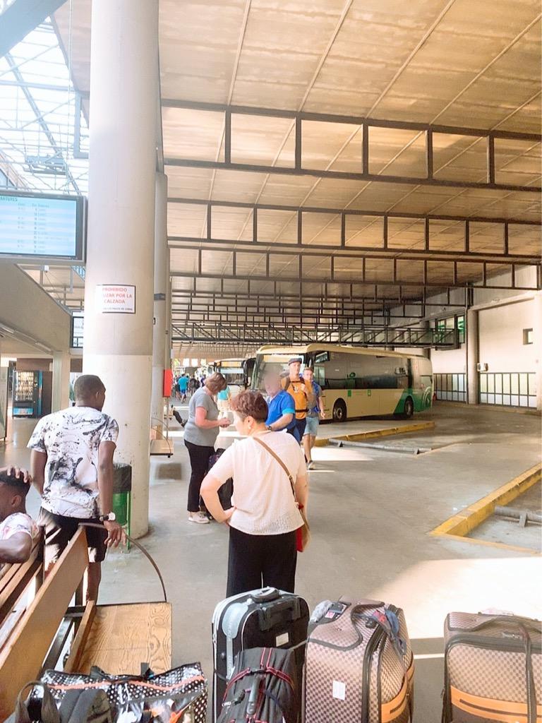 バス スペイン セビリア 空港 市内 バス 車内 車窓 プラサ・デ・アルマスバスターミナル