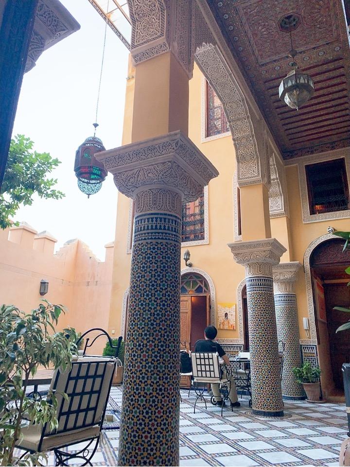 モロッコ フェズ リヤド 宿泊 フロント