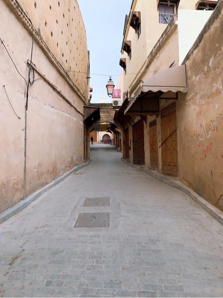 モロッコ フェズ 旧市街 朝