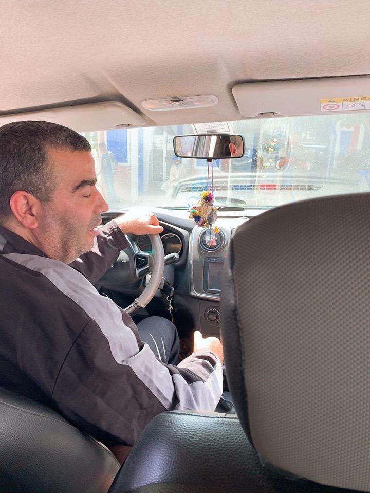 モロッコ シャウエン タクシー バス乗り場