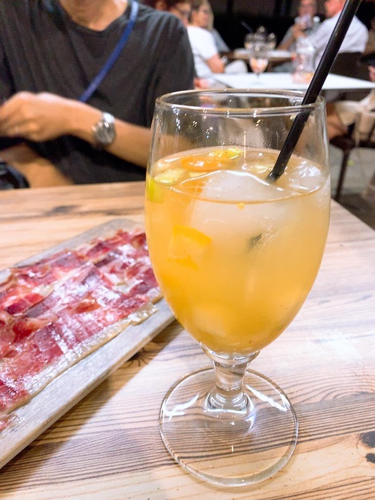 スペイン セビリア セビーリャ バル レストラン サングリア