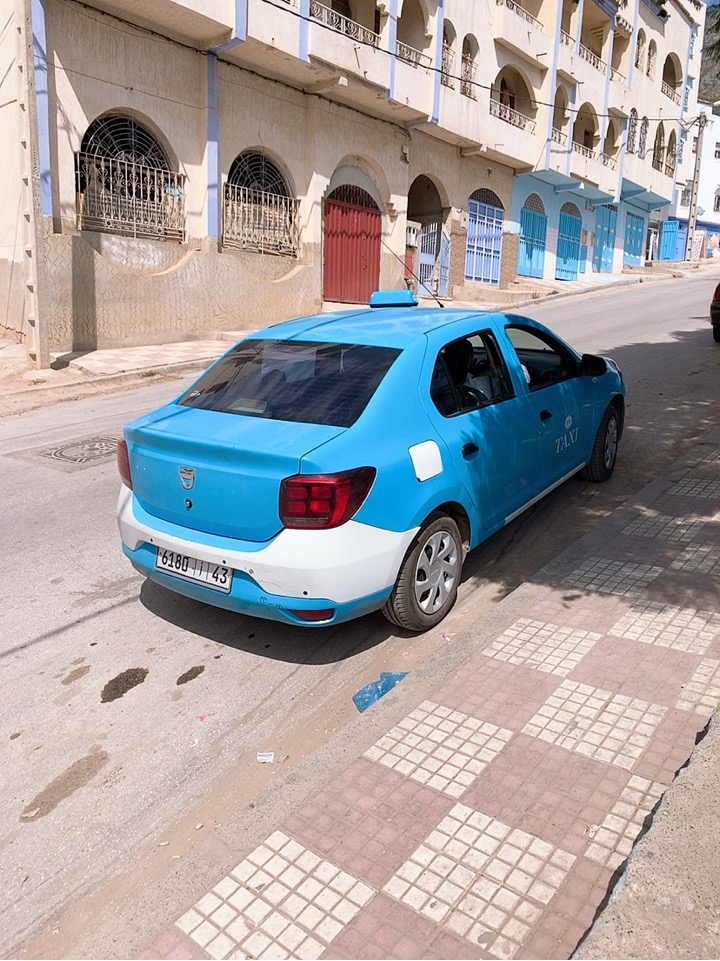 モロッコ シャウエン タクシー プチタクシー 青いタクシー