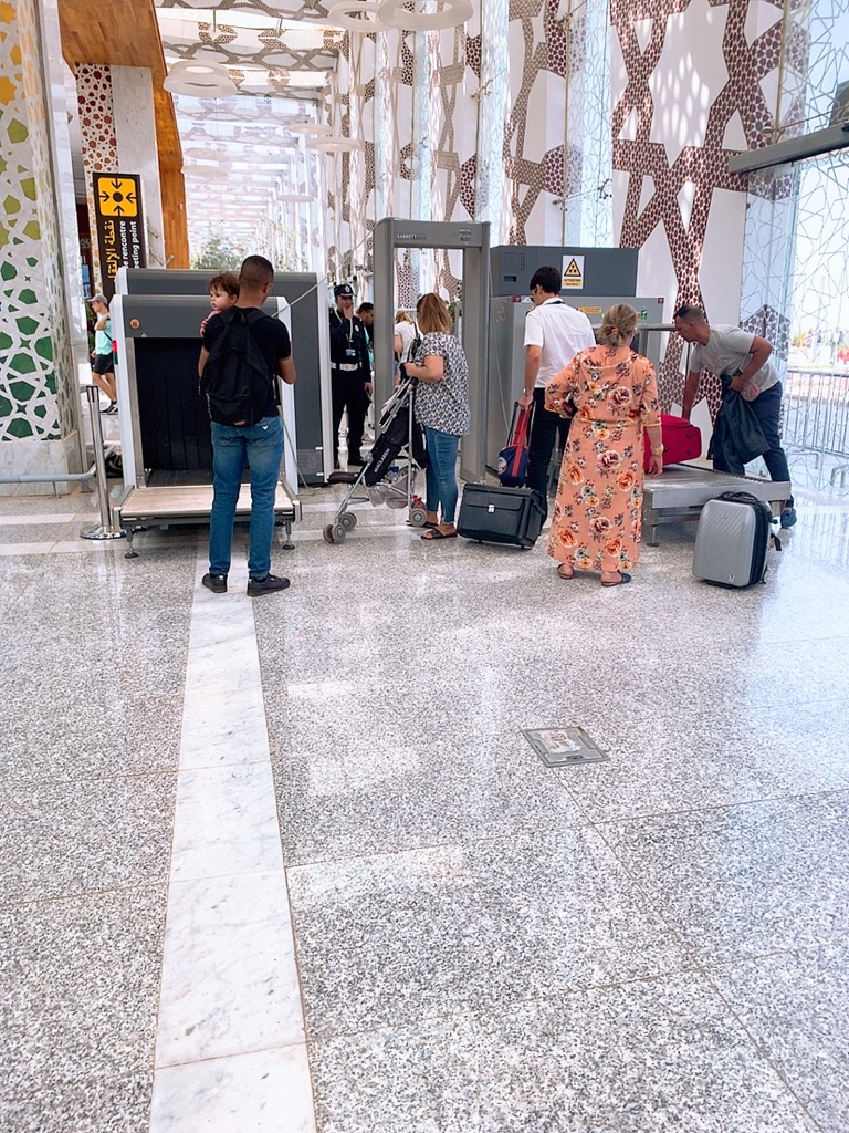 モロッコ フェズ 空港 セキュリティー チェック 荷物検査