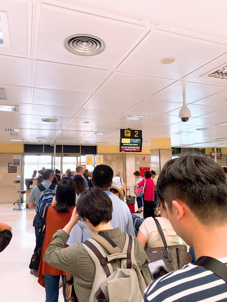 グラナダ空港 ボーディング 搭乗 小さい 空港