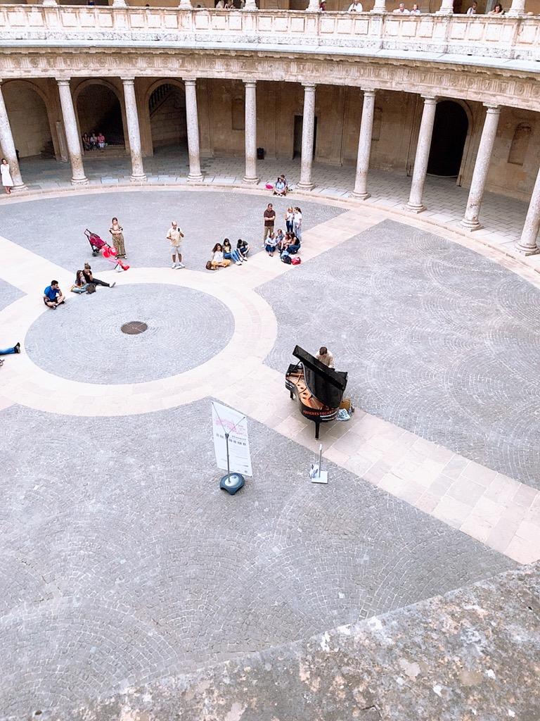 Palace of Carlos V カルロス5世宮殿 アルハンブラ宮殿 ピアな演奏