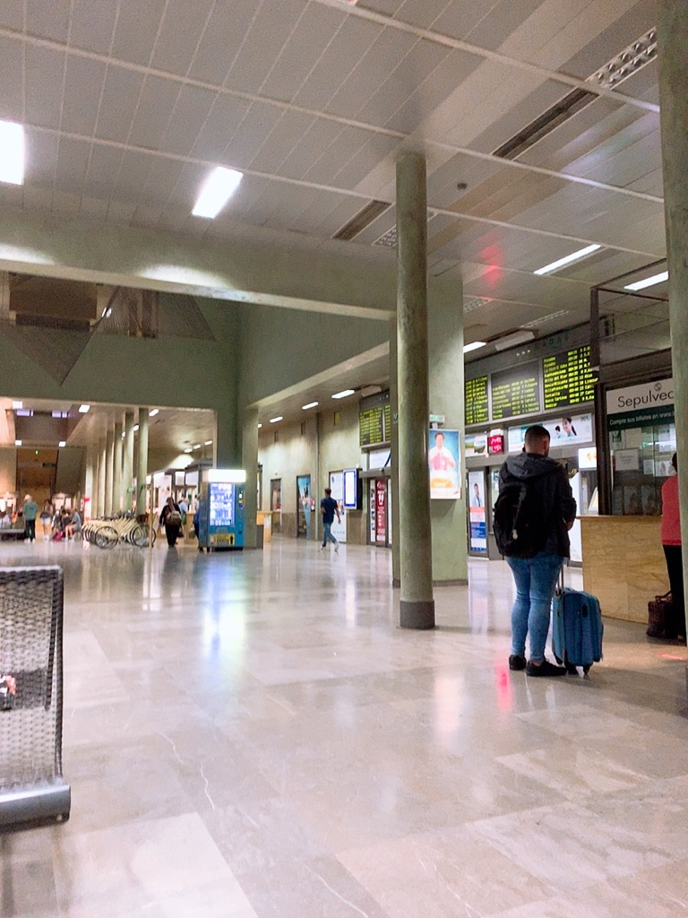 コルドバ バスターミナル alsa グラナダ ターミナルの様子