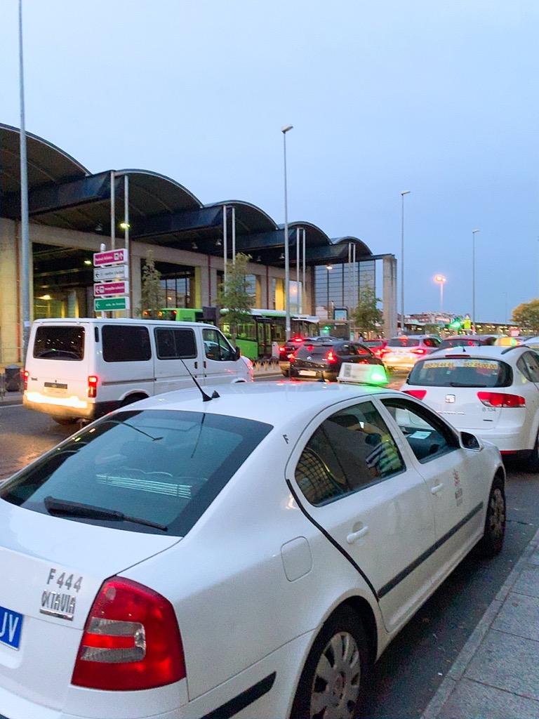 コルドバ タクシー バスターミナル
