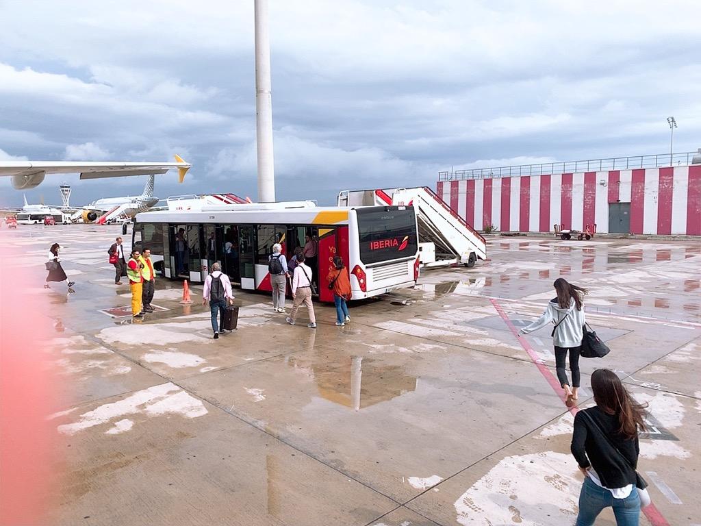 ブエリング航空 グラナダ バルセロナ 空港 ゲート 移動