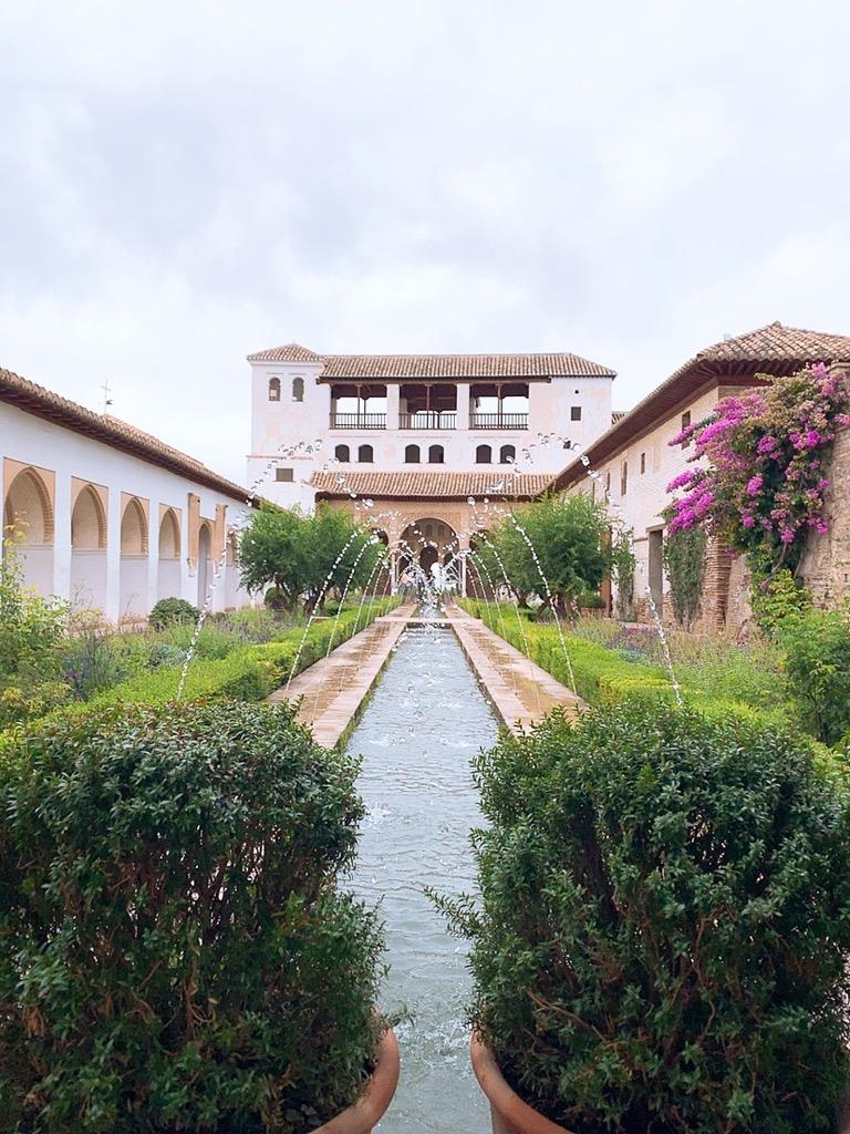 アルハンブラ宮殿 ヘネラリフェ庭園 噴水