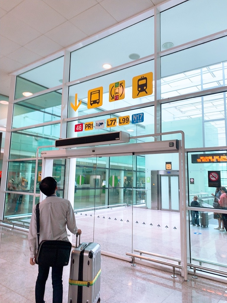 バルセロナ空港 移動 ターミナル