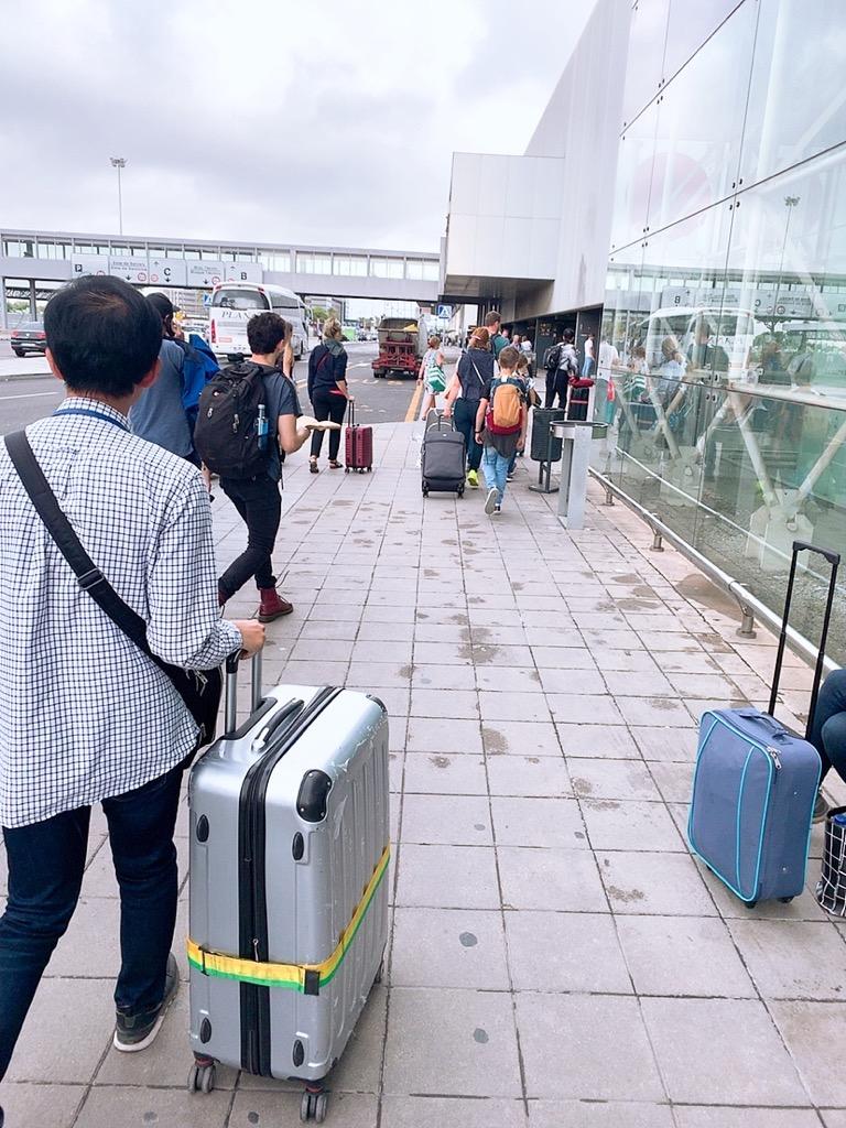 バルセロナ空港 市内 メトロ 移動 移動の仕方