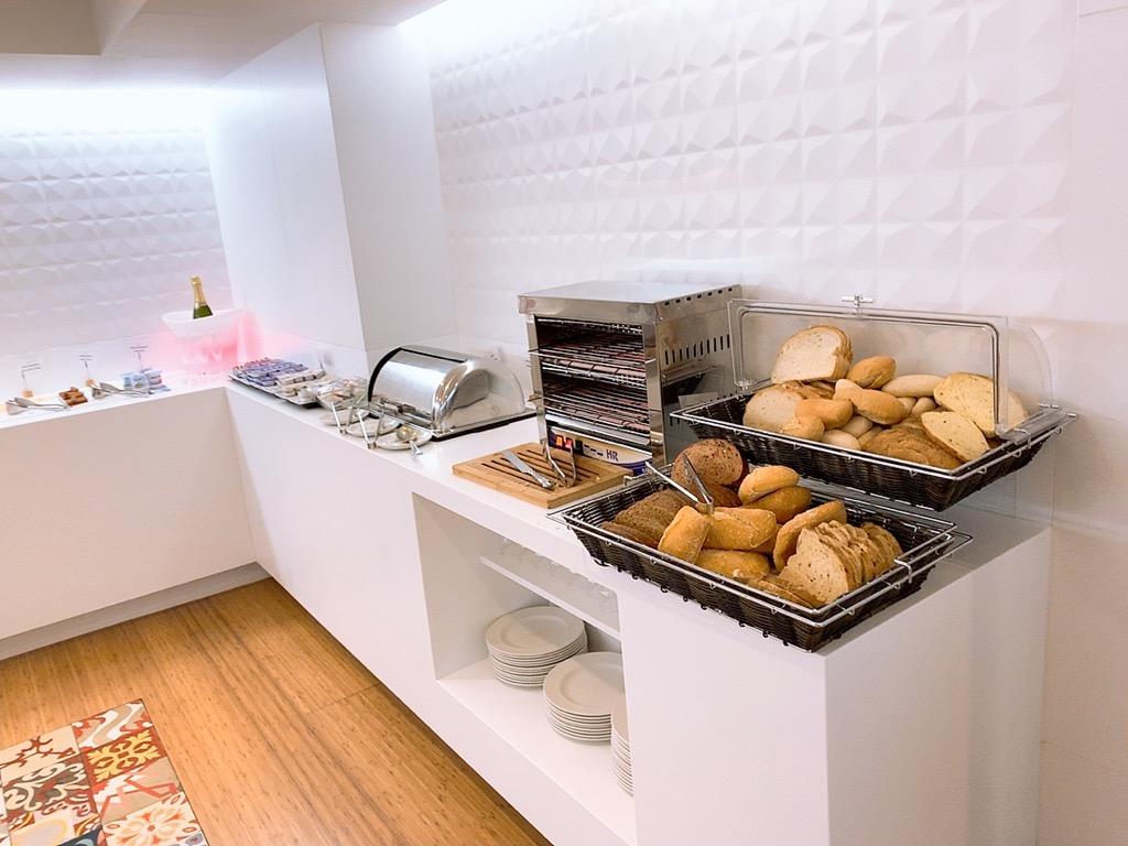スペイン グラナダ ホテル 朝食 メニュー グラナダ ファイブ センス ルーム&スイート Hotel Granada Five Senses Rooms & Suites