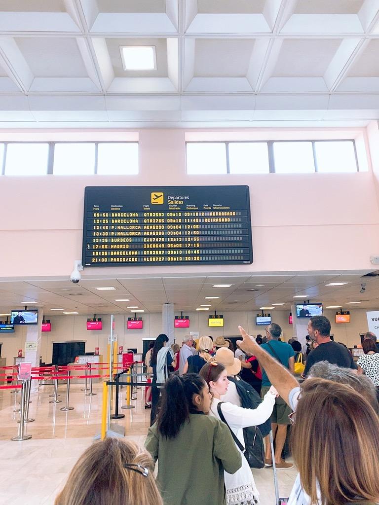 グラナダ 空港 ストライキ 遅延 LCC vueling ブエリング航空