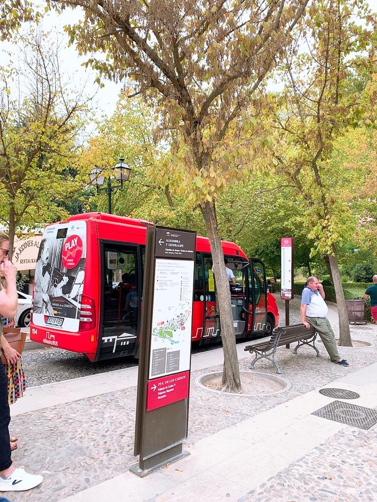 グラナダ 移動 バス アルハンブラ宮殿