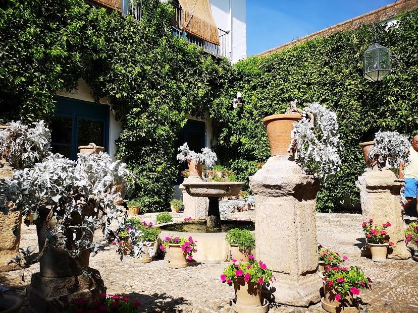 スペイン コルドバ ビアナ宮殿 ヴィアナ宮殿 観光 おすすめ