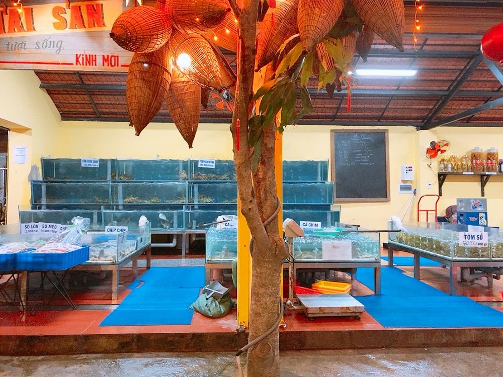 ベトナム ダナン 食事 シーフード レストラン ディナー 晩御飯 水槽