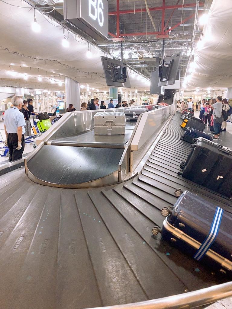 スペイン 仁川 成田 トランジット 成田空港 ターンテーブル 荷物