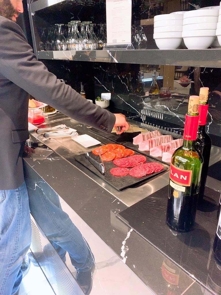 バルセロナ 空港 ラウンジ 上級会員 プライオリティパス 食事