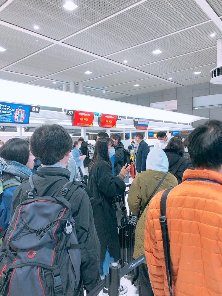 成田 べトジェット チェックイン カウンター
