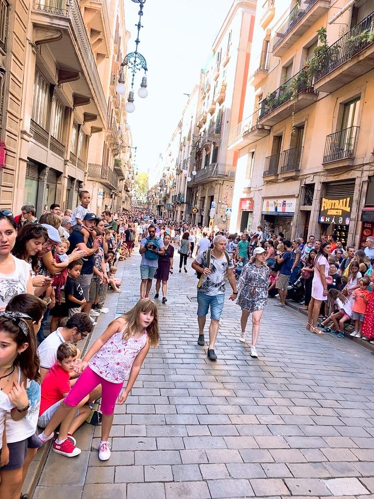 メルセ祭り スペイン 巨大人形 Gigantes ヒガンテス パレード