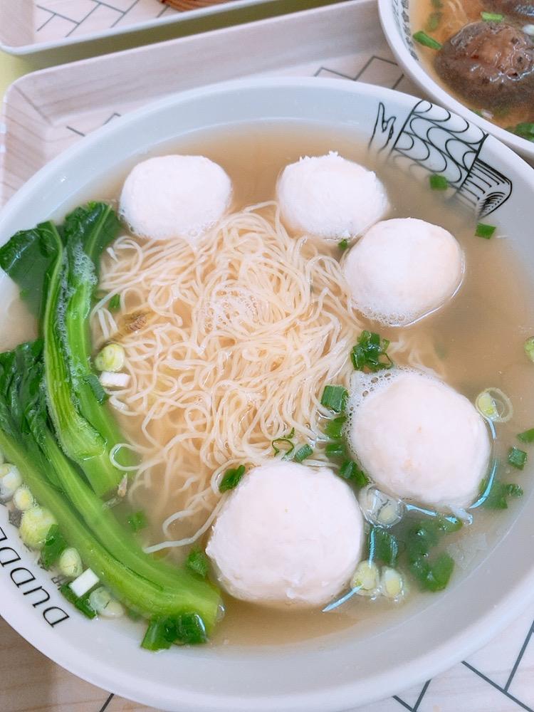 香港空港 おすすめ 食事 麺 レストラン DUDDELL'S