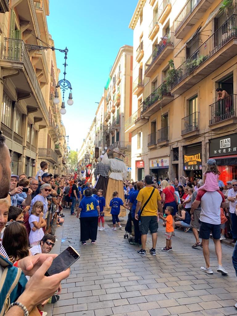 メルセ祭 Gigantes ヒガンテス 巨大 人形 パレード スペイン お祭り バルセロナ