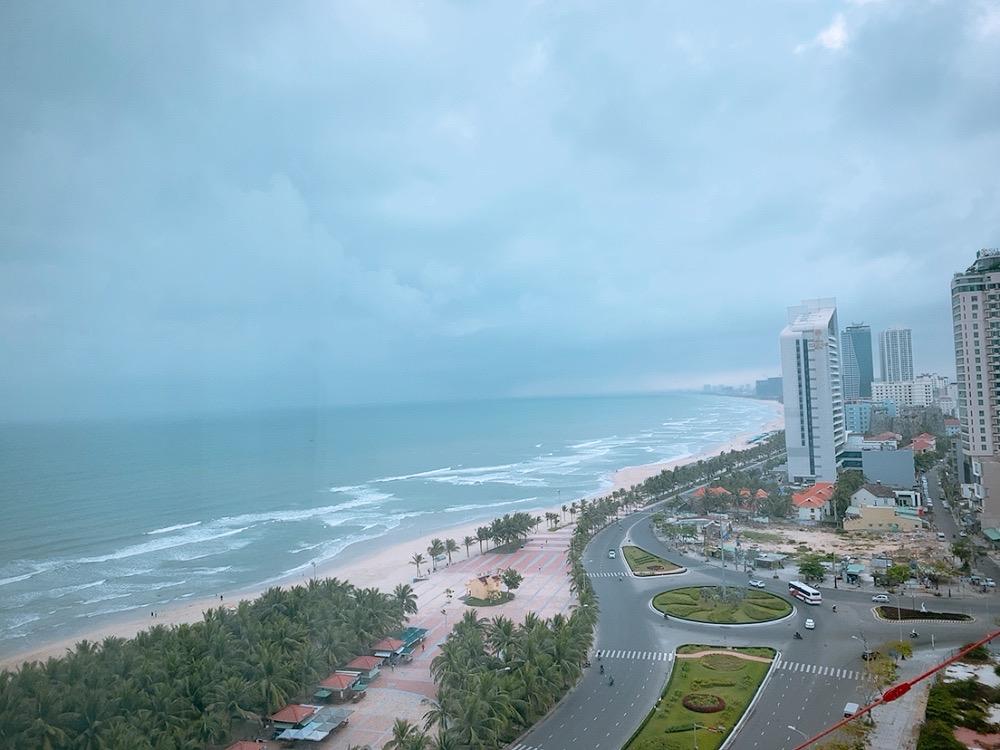 ダナン おすすめ ホテル ミーケビーチ ビーチ沿い 景色 海