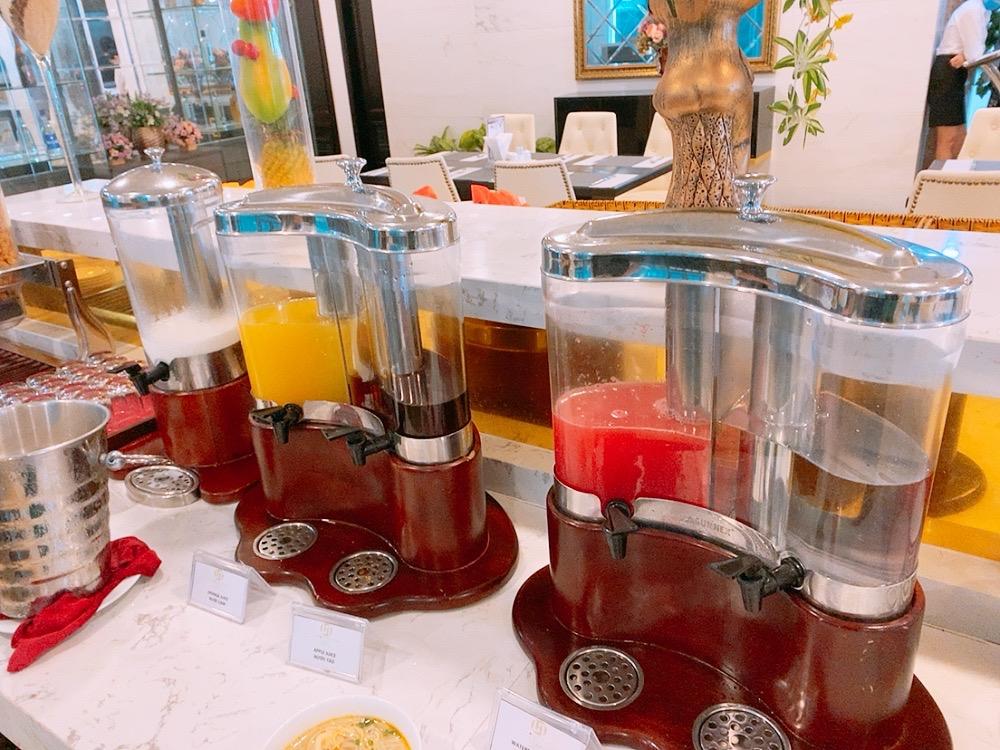 ダナン おすすめ ホテル ミーケビーチ ビーチ沿い ご飯 朝食 フレッシュジュース
